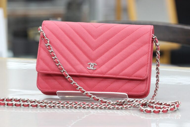 chanel-chainwallet-red