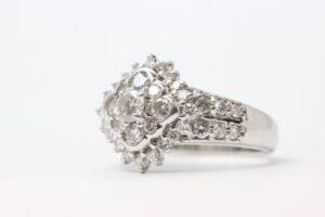 ソリティア プラチナダイヤモンド指輪